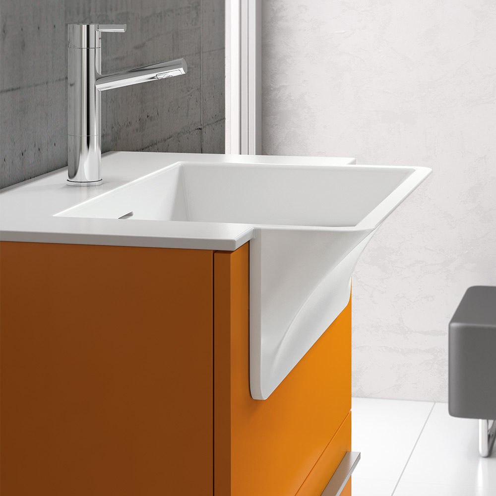 Thanks to the washbasin the structure of the furniture occupies less